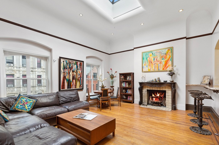 Massive Gramercy Park Penthouse 2 Bedroom with soaring ceilings & skylights